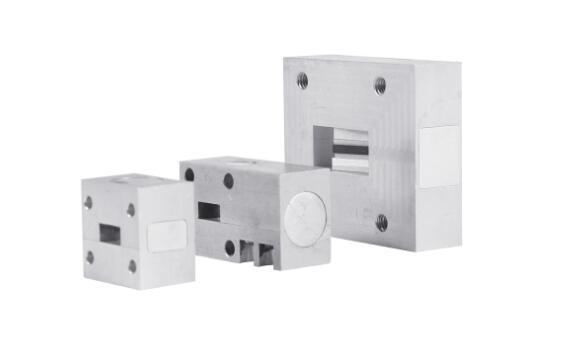 微波器件-法兰式隔离器